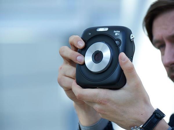 Fujifilm Instax SQ10 4