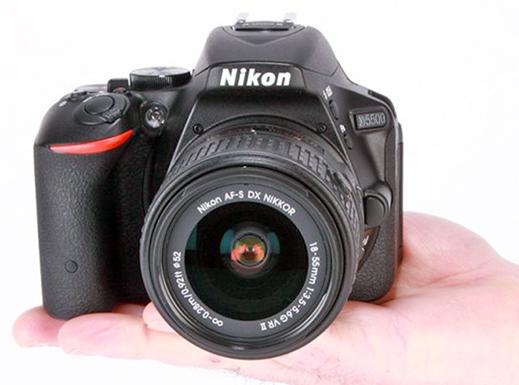 نیکون D5500 7