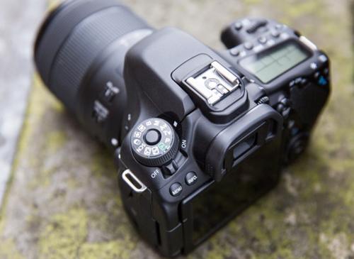 Canon EOS 80D 7